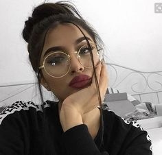 Trendy Glasses Girl Selfie Eyes 24 Ideas Trendy Glasses Girl Selfie Eyes 24 Ideas This image has get Cute Glasses, Girls With Glasses, Glasses Frames, Makeup With Glasses, Circle Glasses, Fashion Eye Glasses, Makeup Goals, Beauty Makeup, Hair Makeup