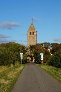 NL hervormde Kerk Hollum, gezien vanuit t Kerkpad.  #Ameland.