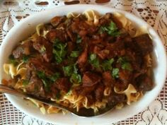 Hungarian Goulash and Why Crockpot Cooking During the Summer is a Good Idea Goulash Recipes, Crockpot Recipes, Chicken Recipes, Pork Goulash, Entree Recipes, Vegetarian Recipes, Dinner Recipes, Hungarian Recipes, Hungarian Food