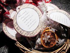 Christmas Fragrance Gift Bags{Mama Says Sew} Neighbor Christmas Gifts, Christmas Scents, Neighbor Gifts, Xmas Gifts, Craft Gifts, Christmas Is Coming, All Things Christmas, Winter Christmas, Christmas Ideas