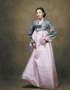 Korean Hanbok. Love the details and metallic colors of this hanbok.  Koreabridge.net