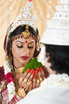 see chandan.make it slightly longer so you don't need a separate design on cheek bones. Bengali Wedding, Bengali Bride, Desi Bride, India Wedding, Desi Wedding, Indian Bridal, Wedding Bride, Asian Inspired Wedding, South Asian Wedding