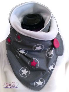 Baby Clothing Wickelschal mit Knopf - made by Frau S. Baby ClothingSource : Wickelschal mit Knopf - made by Frau S. Sewing Scarves, Sewing Clothes, Diy Clothes, Clothes Storage, Diy Accessoires, Bandana Scarf, Sewing For Kids, Neck Warmer, Baby Accessories