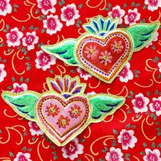 Recycled Craft – Mexican Tin Heart Folk Art (My Poppet Makes) Tin Can Art, Soda Can Art, Tin Art, Heart Diy, Heart Crafts, Valentine Day Crafts, Valentines, Aluminum Can Crafts, Diy Crafts For Kids Easy
