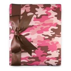 Boutique style Baby Memory books, photo albums and baby record books covered in hip and trendy fabrics Camouflage Baby, Camouflage Fashion, Pink Camo Party, Camo Nursery, Photo Album Covers, Baby Record Book, Baby Shower Camo, Baby Records, Baby Barbie