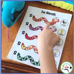 S~Blend hands-on fun! See students grasp the concept of blending sounds.
