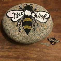 Easy Paint Rock For Try at Home (Stone Art & Rock Painting Ideas) - Easy Painted Rock For Gift in Valentine Day - Rock Painting Ideas Easy, Rock Painting Designs, Paint Designs, Pebble Painting, Pebble Art, Stone Painting, Stone Crafts, Rock Crafts, Art Rupestre