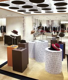 "BERGDORF GOODMAN,New York, ""Essential for your fall wardrobe?"" by Maison Michel (Parisian hat maker), pinned by Ton van der Veer Bergdorf Goodman, Retail Store Design, Retail Stores, Store Displays, Retail Displays, Window Display Retail, Hat Display, Fashion Displays, Visual Merchandising Displays"