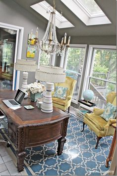 Love this bright sun room - turned office @southernrhoda