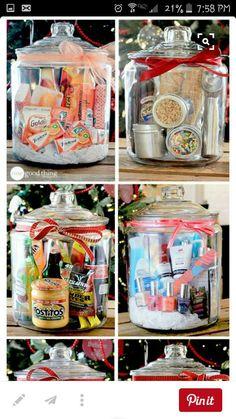 Gifts in a Jar Neighbor Christmas Gifts, Christmas Gift Baskets, Christmas Mason Jars, Homemade Christmas Gifts, Holiday Gifts, Christmas Diy, Homemade Gift Baskets, Diy Gift Baskets, Homemade Gifts