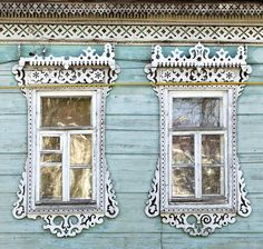 """""""Russian traditional architrave - """"nalichnik"""" - still can be found even in a big cities. Some of those was made in XIX century. http://nalichniki.com/en/ """""""