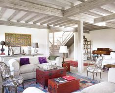 Il a fallu près de deux ans pour que les propriétaires de cette maison la trouvent dans le nord de l'Espagne. Ils ont voulu respecter l'architecture de l'habitat typique de la rég…