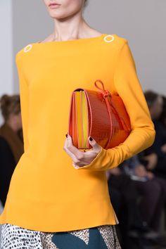 99 лучших сумок Недели моды в Лондоне | Мода | Выбор VOGUE | VOGUE