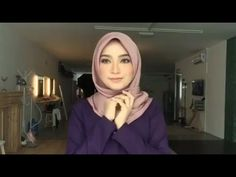 This is a new Hijab Tutorial video, that'll help you to style your hijab in different ways. Actually i like to wear Hijab with diffe. Hijab Chic, Turban Tutorial, Mode Turban, Turban Style, Gq, Totalement, Couture, Fashion, Modern