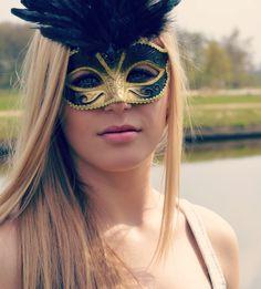 Potriat with masker Masquerade, Halloween Face Makeup, Carnival, Masquerades