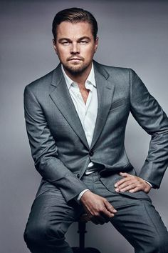 Leonardo di Caprio - Actor, director, founded the Leonardo DiCaprio Foundation and Honorary Chairman of the Board of Directors of the Pacific Palisades-based Reef Check Foundation. Photos Portrait Homme, Pose Portrait, Headshot Poses, Portrait Studio, Senior Portraits, Headshot Ideas, Famous Portraits, Portrait Ideas, Business Headshots