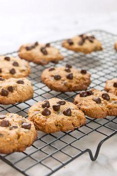 Deliciosas galletas de chispas de chocolate hechas a base de harina de avena y arroz, super saludables y mega deliciosas, con mucho chocolate.