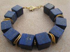Lapislazuli-Würfel-Armband von Steffis Perlenketten auf DaWanda.com