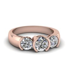 Round Cut Diamond Three Stone Ring With White Diamonds In 14k Rose Gold || Circular Brilliance Ring