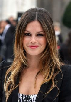 Retro-60's & Dip-Highlighting on Long Hair Doesn't this style look fabulous! The layers falling around the face create a really flattering frame which accentuates the eyes, lips and chin in a super-attractive way! Spring Hair Color Ideas: Rachel Bilson's ombre hair style It's a style that was very popular in the 1960's, but updated and[Read the Rest]