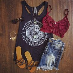 30 Summer Outfit Ideas to Upgrade Your Look - Pretty Designs - - Tank Top, Cut-out Jeans and Sandals via Source by Outfits Damen, Komplette Outfits, Casual Outfits, Fashion Outfits, Womens Fashion, Fashion Jobs, Emo Fashion, Ladies Fashion, Fashion Clothes