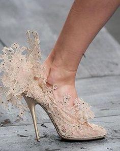 Valentino lace shoes in cream / karen cox!