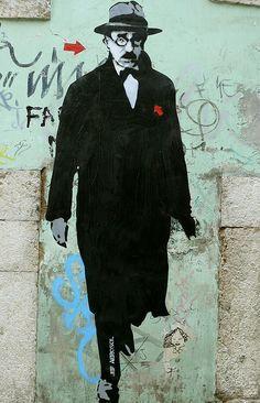 """Street art, #portuguese poet """"Fernando Pessoa """" Alfama, Lisboa, #Portugal via SlingPic."""