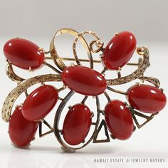 See more #vintage #jewelry #vintagejewelry on our website (link in bio!) RED #CORAL 14K YELLOW GOLD CLUSTER #BROOCH