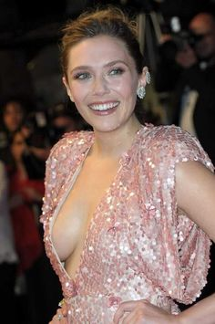 Nude photos of sexy Elizabeth Olsen Scarlet Witch from Avengers. Elizabeth Olsen is a 28 year old rapidly growing popularity busty actress from America. Olsen Sister, Elizabeth Olsen Scarlet Witch, Beautiful Female Celebrities, Elisabeth, Sensual, Celebs, Girl Celebrities, Hollywood, Actresses