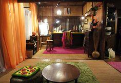 『上京ものがたり』貧乏でも可愛く暮らす菜都美の部屋 | CINEmadori シネマドリ | 映画と間取りの素敵なつながり Japanese Style House, Japanese Modern, Room Interior, Interior Design, Old Room, Messy Room, House Design, Washitsu, Home Decor