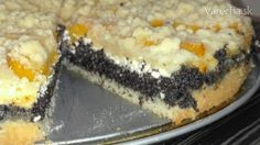 Aj tento koláč patrí medzi moje  obľúbené. Je tam všetko čo  obľubujem. Mak, tvaroh a  broskyne . :-)