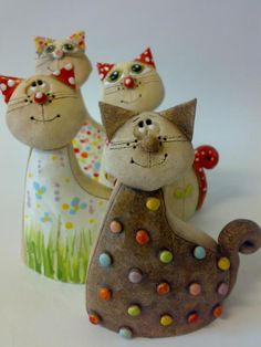 Kočička kuličková / Zboží prodejce Akoča a Ufola | Fler.cz Ceramic Bowls, Ceramic Pottery, Ceramic Art, Homemade Clay, Diy Clay, Salt Dough Crafts, Clay People, Clay Cats, Clay Animals