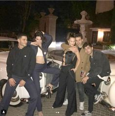 The model rang in 2018 in style as she posed for a glamorous snap atop a white vintage car with socialite pal Fai Khadra, before heading to Dave Chappelle's West Hollywood bash. Khadra, Teenage Dream, Old Models, Kardashian Jenner, Photo Instagram, Friend Pictures, Bella Hadid, My Girl, Celebs