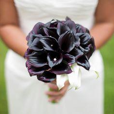 Morlotti Studio - Sweetness of the bride   Bouquet - Dark Purple Calla Lillies #wedding #bouquet #calla #lilly #bride