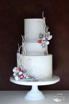 Christmas Wedding Cakes, Christmas Cake Decorations, Christmas Desserts, Christmas Baking, Pretty Cakes, Beautiful Cakes, Amazing Cakes, Chrismas Cake, Winter Torte