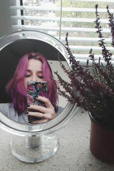 #pinkhair #purplehair #grungegirl #tumblrgirl #tumblr #pale #grunge #softgrunge #flowers