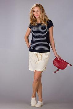 Krátké těhotenské kraťasy béžové barvy Bermuda Shorts, Casual Shorts, Women, Fashion, Moda, Fashion Styles, Fashion Illustrations, Shorts, Woman