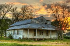 Old, deserted gas station in Louisiana.  Love this photo!