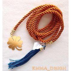 Versátil collar para ser usado tipo bufanda y anudado. Muy elegante!!!
