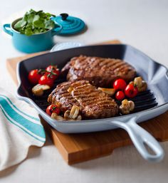 As Seen on TV Indoor Grill Black - Indoor Grill - Ideas of Indoor Grill - From seasoning to cooking heres how to use a cast iron pan and love it Indoor Grill Ideas of Indoor Grill From seasoning to cooking heres how to use a cast iron pan and love it Cast Iron Grill Pan, Cast Iron Cooking, Iron Pan, Iron Skillet Recipes, Cast Iron Recipes, How To Cook Steak, How To Cook Pasta, Le Creuset Grill Pan, Le Creuset Skillet
