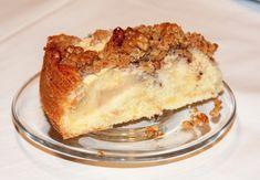 walnusskuchen_mit_aepfeln-deutsche_rezepte-saftiger_apfel-walnusskuchen Vanilla Cake, Tiramisu, Cheesecake, Food And Drink, Pie, Ethnic Recipes, Desserts, Grob, Butter