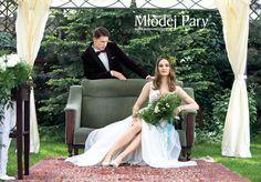 Bride in a wreath, elegant groom / greenary wedding