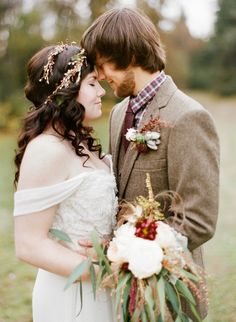 Woolen Wonder - An Autumn wedding by the lake (pics by Ryan Ray)