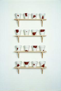 """Timm Ulrichs – """"Rekonstruktionen (resconstructions)"""", 1988/1994 – pug, plaster, wood – 18 x  ø 19,5 cm (flowerpot), 22,8 x 100 x 22 cm (shelves)"""