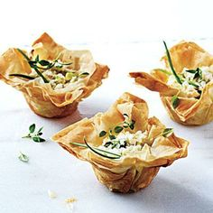 Phyllo Cups with Ricotta Chèvre and Thyme | Cookinglight.com Menu Gastronomique, Philo Dough, Healthy Appetizers, Appetizer Dips, Appetizer Recipes, Light Appetizers, Party Recipes, Cheese Recipes, Phyllo Recipes