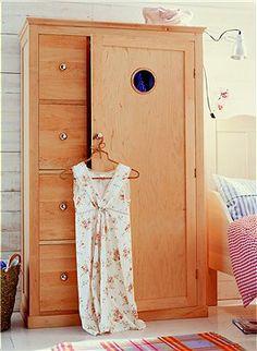 Fresh Kleiderschrank aus Erlenholz