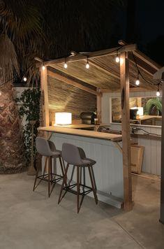 Outdoor Garden Bar, Garden Bar Shed, Outdoor Tiki Bar, Outdoor Bbq Kitchen, Backyard Pavilion, Backyard Bar, Backyard Patio Designs, Bbq Bar, Back Garden Design