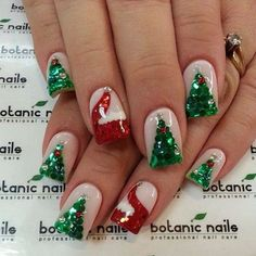 If you're looking to do seasonal nail art, spring is a great time to do so. The springtime is all about color, which means bright colors and pastels are becoming popular again for nail art. These types of colors allow you to create gorgeous nail art. Christmas Tree Nail Designs, Christmas Tree Nails, Christmas Nail Art Designs, Holiday Nail Art, Xmas Nails, Christmas Design, Winter Christmas, Christmas Acrylic Nails, Christmas Nail Polish