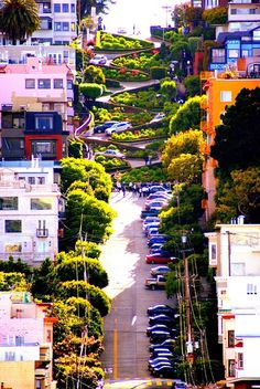 """BEAT THE BLUES! Visit Lombard street - the """"Crookedest Street in the World""""."""