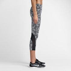Nike Epic Lux Printed Women's Running Crops. Nike Store